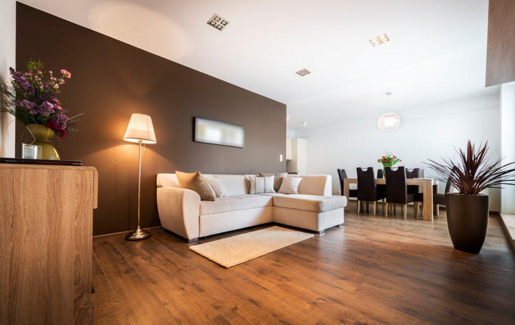 Wohnzimmer bereit für eine Besichtigung